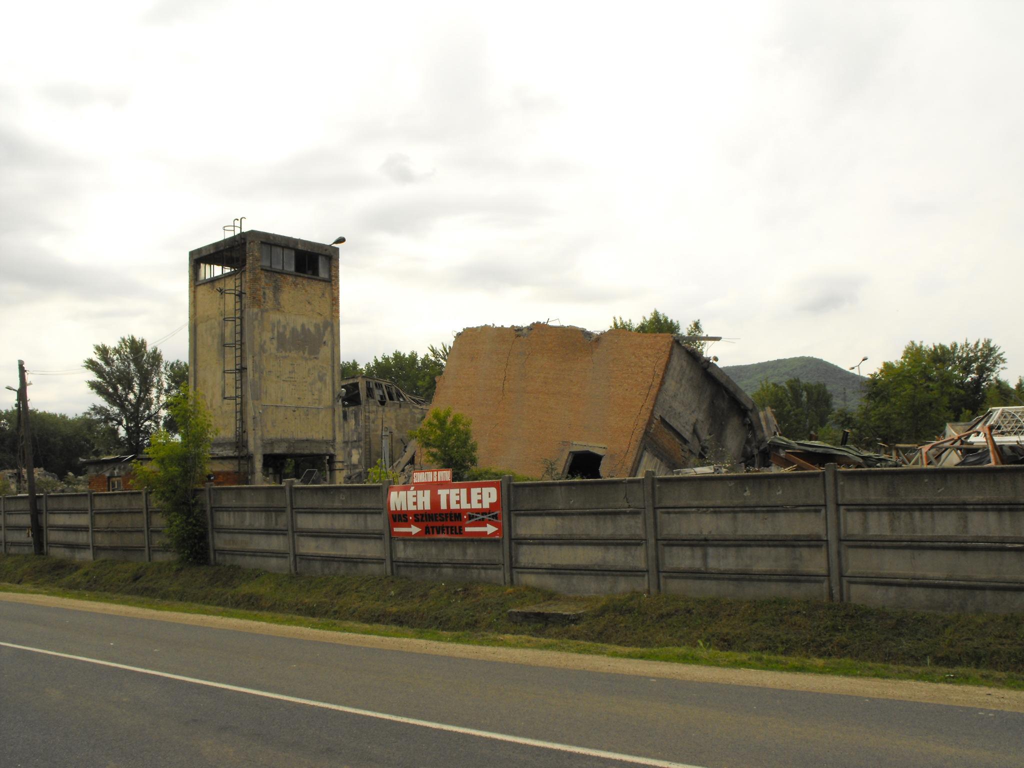 A tokodi szénosztályozó romjai. Fotó: Molnár Márk